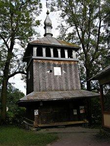 дерев'яна дзвіниця